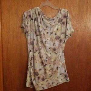 Deletta asymmetrical stretch floral top